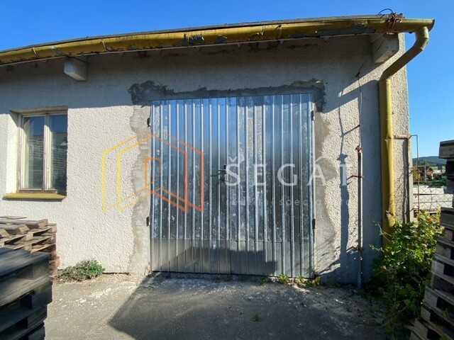 Pronájem výrobního/skladovacího prostoru  65 m2 ve Vizovicích.